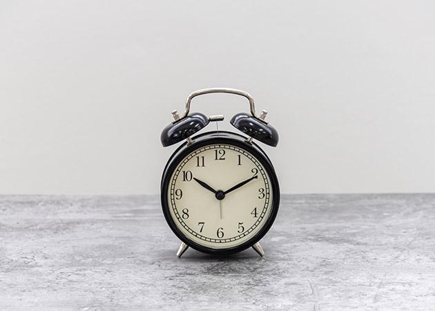 大阪のレンタルフォトスタジオ「UTSUBO STUDIO 3」の時計