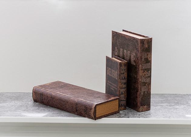 大阪のレンタルフォトスタジオ「UTSUBO STUDIO 3」のブックボックス 3種