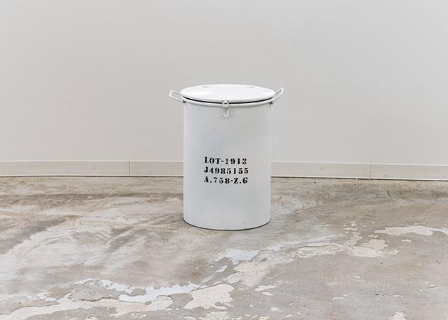 大阪のレンタルフォトスタジオ「UTSUBO STUDIO 3」のダストボックス